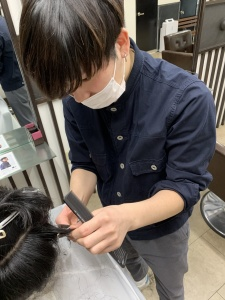 大阪 難波 理容師 求人
